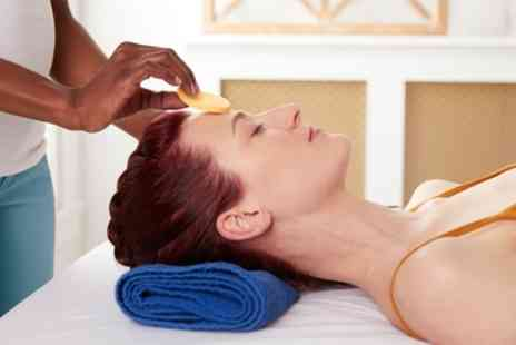 Tania Beauty Therapist - 30 Minute Express Facial or 80 Minute Facial with Massage - Save 58%