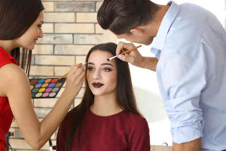 International Make-Up Academy - 90 minute teen makeup masterclass - Save 81%