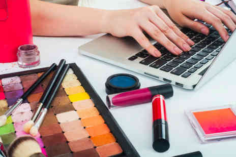 Trendimi - Online makeup artist course bundle - Save 98%