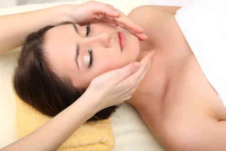 Croydon Osteopathic Practice - 30 minute Swedish massage and a 30 minute facial - Save 60%