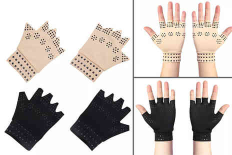 Paperdollz - Pair of magnetic arthritis gloves choose from two colours - Save 80%