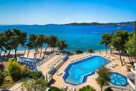 Super Escapes Travel - Three night all inclusive Croatia holiday with return flights - Save 33%
