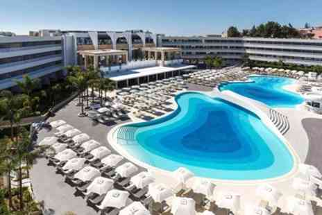 Globalhoppers - Five Star star all inclusive holiday  With flights - Save 0%