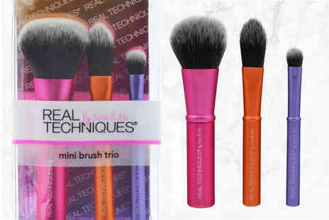 Deals Direct - Real Techniques mini brush trio - Save 0%