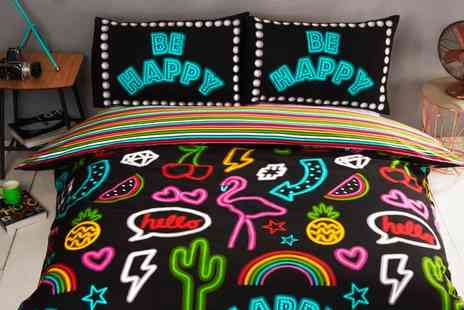 Groupon Goods Global GmbH - Rapport Home Be Happy Neon Design Duvet Set - Save 0%
