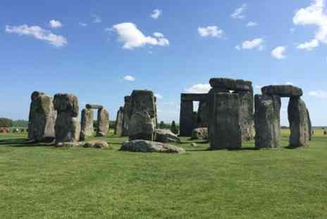 EC Minibus - Private Arrival Port Transfer Southampton Cruise Terminal to Central London Via Stonehenge - Save 0%