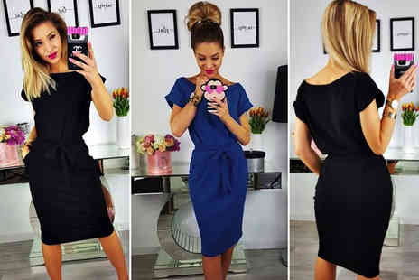 Snap One Up - Casual round neck dress choose from two colours - Save 69%