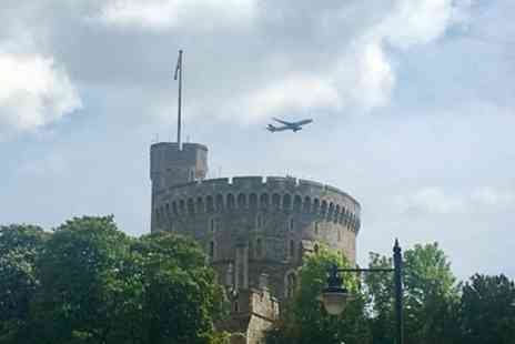 Travel Brake - Gatwick Airport Arrival To London Via Windsor Castle - Save 0%