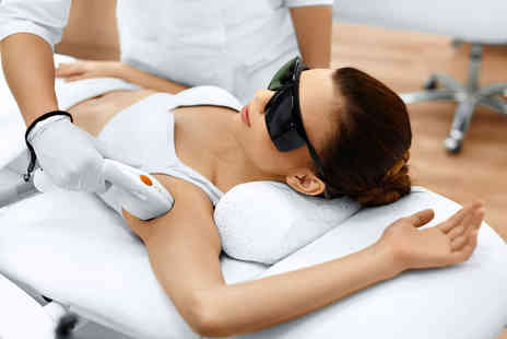 London Body Centre - Six sessions of laser hair removal on one area - Save 0%