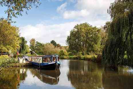 Starline Narrowboats - Four nights midweek narrowboat hire or Three nights weekend hire upgrade to groups of up to 12 people - Save 51%