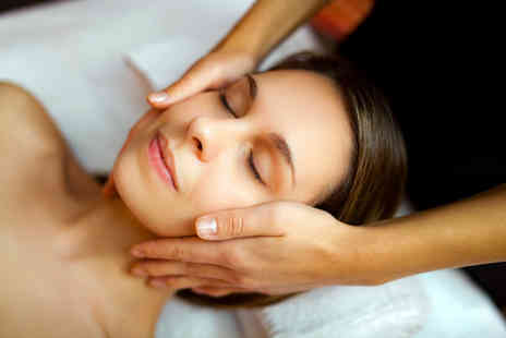 London Body Centre - Deluxe dermaplaning treatment with a Neals Yard express facial - Save 0%