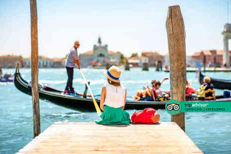 Bargain Late Holidays - Two nights Venice break with breakfast, gondola ride and return flights - Save 27%