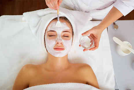 Hemaxi Beauty - 45 minute Eve Taylor luxury facial include an Indian head massage - Save 53%
