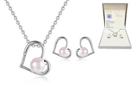 Taylors Jewellery - Diamond and freshwater pearl jewellery set - Save 88%