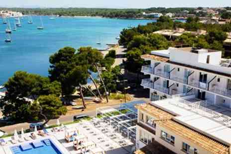 Deluxe Breaks - Deluxe Mallorca week with flights and meals - Save 0%