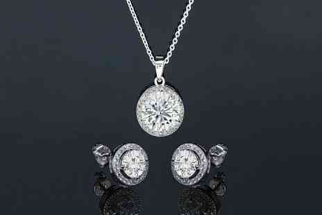 GENOVA INTERNATIONAL - Halo necklace and earrings set - Save 88%