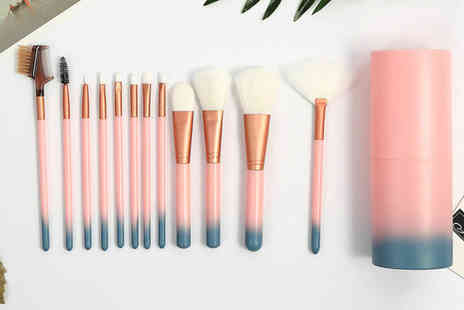 Buy something - Set of 12 ombre makeup brushes and brush holder - Save 60%