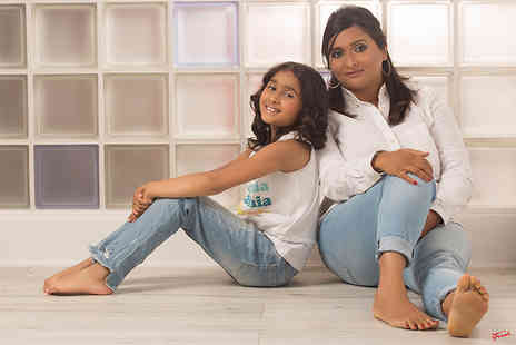 The Click Group - Mother and daughter makeover and photoshoot including one 8 Inch x 12 Inch print, one 5 Inch x 7 Inch, a CD or download plus £100 in vouchers - Save 96%