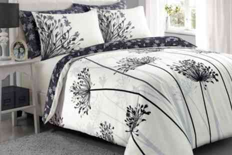 Groupon Goods Global GmbH - Pieridae Spring Meadow Duvet Cover Set - Save 0%