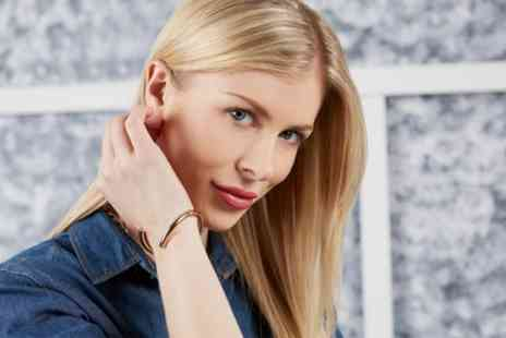Robert Bell Salon - Wash, Cut and Blow Dry with Optional Half Head Highlights - Save 45%