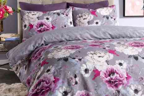 Groupon Goods Global GmbH - Pieridae Inky Floral Duvet Set - Save 0%