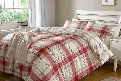 Groupon Goods Global GmbH - Sleepdown Check Reversible Duvet Set in Choice of Colour and Size - Save 0%