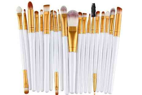 Forever Cosmetics - 20 piece eye makeup brush set and 8 colour eye shadow palette - Save 88%