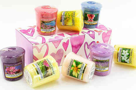 Yankee Bundles - Eight Yankee Candle Votives With Heart Gift Box Plus Free Holder - Save 18%