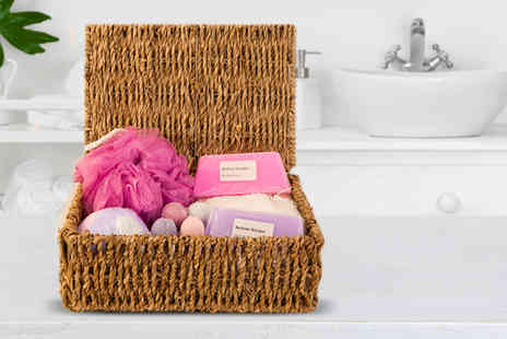 Bathtime Boutique - Soap and bath bomb hamper - Save 52%