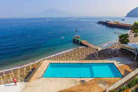 Hotel & Resort Le Axidie - Four Star Sea View Stay on the Gulf of Naples - Save 80%