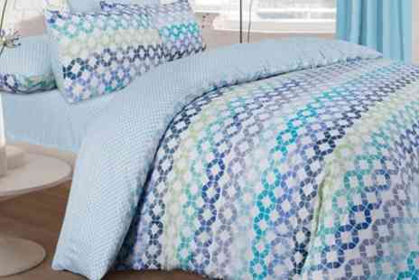 Groupon Goods Global GmbH - Pieridae Duvet Set with Fitted Sheet - Save 0%