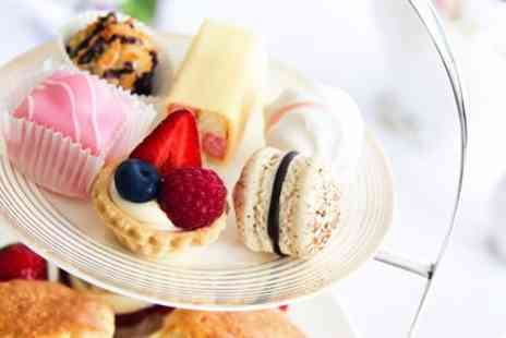 DoubleTree by Hilton - Afternoon tea with prosecco for 2 in rooftop bar - Save 39%