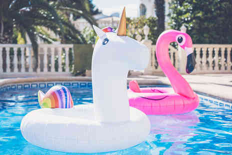 Gift Gadget - Inflatable animal swim ring choose from 2 options - Save 70%