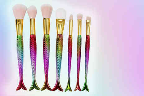 Forever Cosmetics - Seven piece mermaid makeup brush set - Save 84%