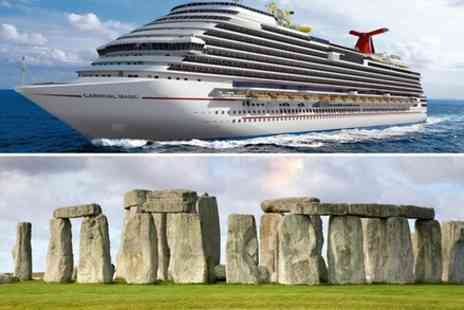 London Travel In - Transfer from Southampton to London with Stop at Stonehenge tickets included - Save 0%