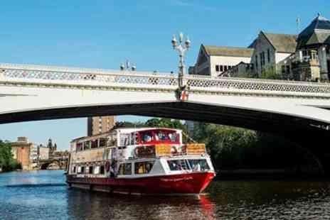 City Cruises - Sightseeing cruise including 2 course lunch - Save 17%