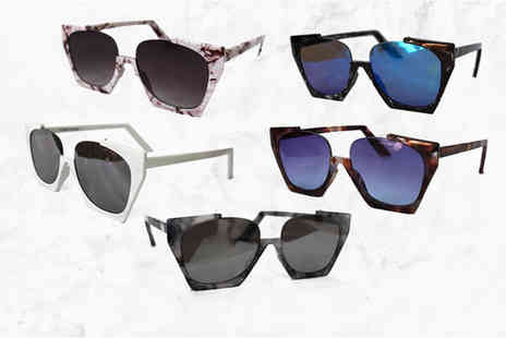 Verso Fashion - Pair of Olivia half rimmed sunglasses choose from five colours - Save 75%