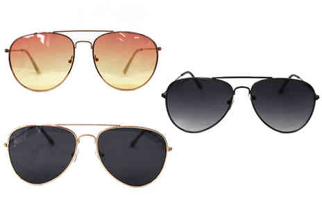 Verso Fashion - Pair of aviator sunglasses choose from three designs - Save 75%