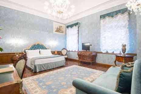 Hotel Nani Mocenigo Palace - Four Star Majestic 15th Century Converted Palace for two - Save 74%