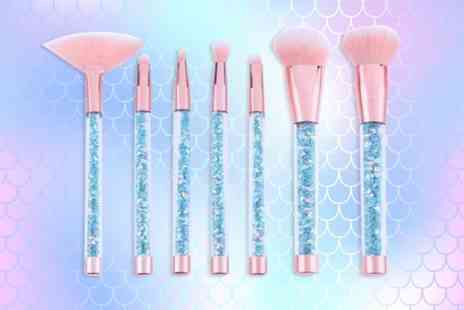 Forever Cosmetics - Seven piece glamza blue mermaid glitter brush set - Save 77%
