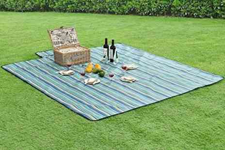 hey4beauty - 200x150cm foldable picnic blanket or  200x200cm blanket - Save 73%