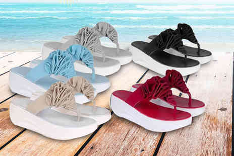 Verso Fashion - Womens summer toning flip flops choose from five colours - Save 70%