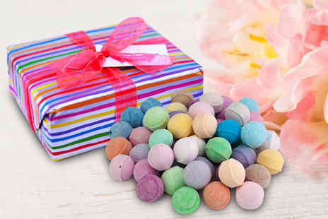 Bathtime Boutique - Assorted bathbomb gift box receive 50 bath bombs - Save 47%