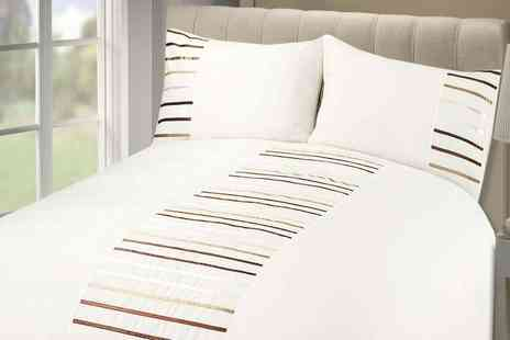Groupon Goods Global GmbH - Rapport Home Manhattan Duvet Set - Save 0%