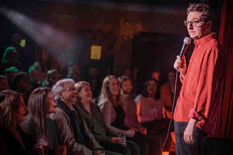 The Cavendish Arms - Entry to a live comedy show on 6th June for two people including a pizza to share and a glass of wine or single measure spirit drink with mixer each - Save 41%