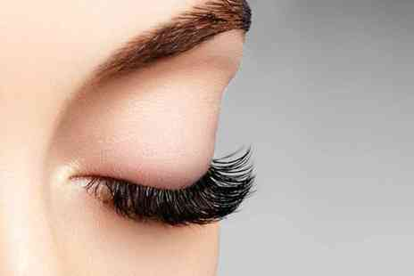 Versage Advanced Beauty - Full set of individual classic eyelash extensions - Save 65%