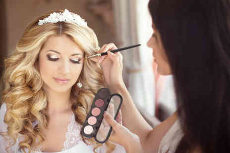 New Skills Academy - Online bridal makeup course - Save 90%
