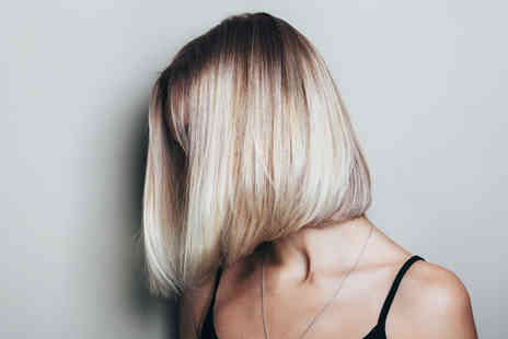 Alexcia Mia - Cut, conditioning treatment and blowdry, include a full head of colour or half head of highlights - Save 0%