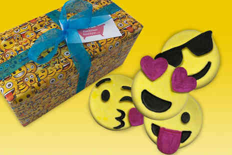 Bathtime Boutique - Emoji bath bomb gift box - Save 47%