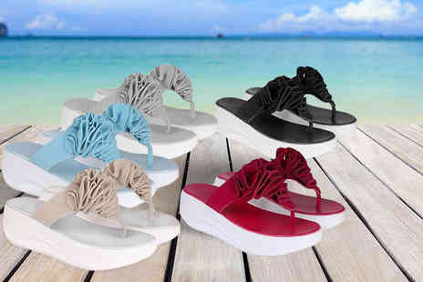 Deals Direct - Pair of toning flip flops choose from five colours - Save 0%